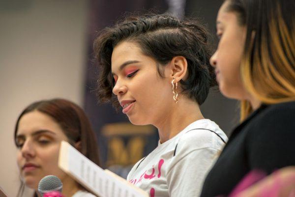 La adolescente miembro del comité Alejandra Cedeño habla sobre una latina local que la ha inspirado.