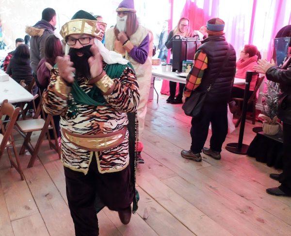 Los Reyes Magos llegan al Roc Holiday Village en Rochester el 28 de diciembre.